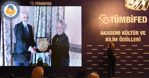 EMU Faculty of Pharmacy Academic Staff  Member Receives an Award From TÜMBİFED